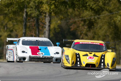 #70 SpeedSource Ford Multimatic: Sylvain Tremblay, Selby Wellman, Paul Mears Jr., et #59 Brumos Racing Porsche Fabcar: Hurley Haywood, J.C. France