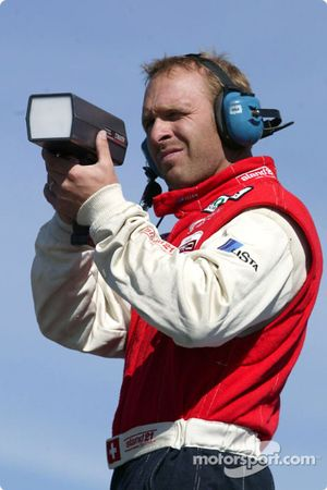 Bill Auberlen s'amuse avec le pistolet radar