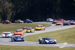 La #54 Bell Motorsports Chevrolet Doran de Terry Borcheller, Forest Barber et Andy Pilgrim mène le p
