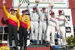 Podium DP : les vainqueurs Terry Borcheller, Forest Barber et Andy Pilgrim avec Hurley Haywood, J.C.