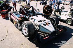 #12 G&W Motorsports Lola B2K/40 Nissan