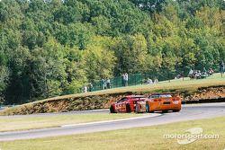#33 Scuderia Ferrari of Washington Ferrari 360GT: Cort Wagner, Brent Martini, et #40 Derhaag Motorsp
