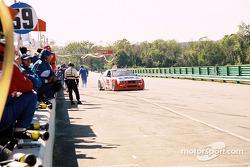 Arrêt au stand pour la #69 Marcus Motorsports BMW M3 de Brian Cunningham et Hugh Plumb