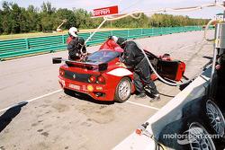 Arrêt au stand pour la #28 Scuderia Ferrari of Washington Ferrari 360 Challenge de Jeff Segal, Jim Wilson et Asher Hyman
