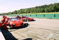 Pitstop for #33 Scuderia Ferrari of Washington Ferrari 360GT: Cort Wagner, Brent Martini