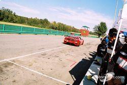 Arrêt au stand pour la #33 Scuderia Ferrari of Washington Ferrari 360GT de Cort Wagner et Brent Martini