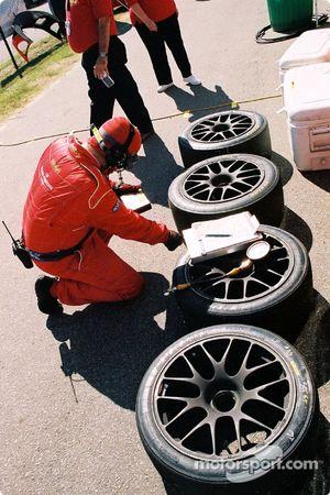 Un membre de la Scuderia Ferrari of Washington