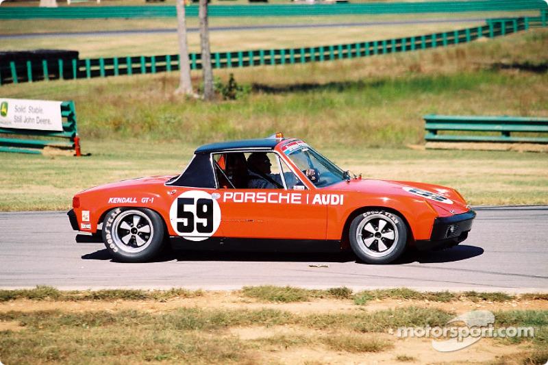 Tours de parade pour une Porsche 904