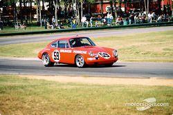 Parade laps for a vintage Porsche 911