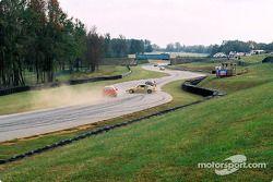 La #61 Colletti Motorsports Acura Integra R de Joe Ellis et Steve Colletti part en tête-à-queue