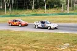 #27 Bill Fenton Motorsports Acura Integra LS: Eric Curran, Bob Beede, et #48 WTF Engineering Chevrolet Cavalier Z-24: Edward Magner, Caroline Wright
