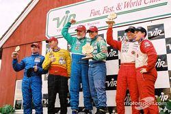 Podium GSII : les vainqueurs Joe Nonnamaker et Wayne Nonnamaker avec Michiel Schuitemaker, B.J. Zacharias, Vinnie Faraci et Darren Law