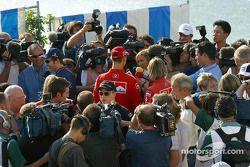 Scrum de conferencia de prensa post: Heinz-Harald Frentzen, Kimi Raikkonen, Michael Schumacher y Jen