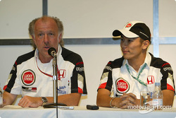 Conferencia de prensa: David Richards y Takuma Sato