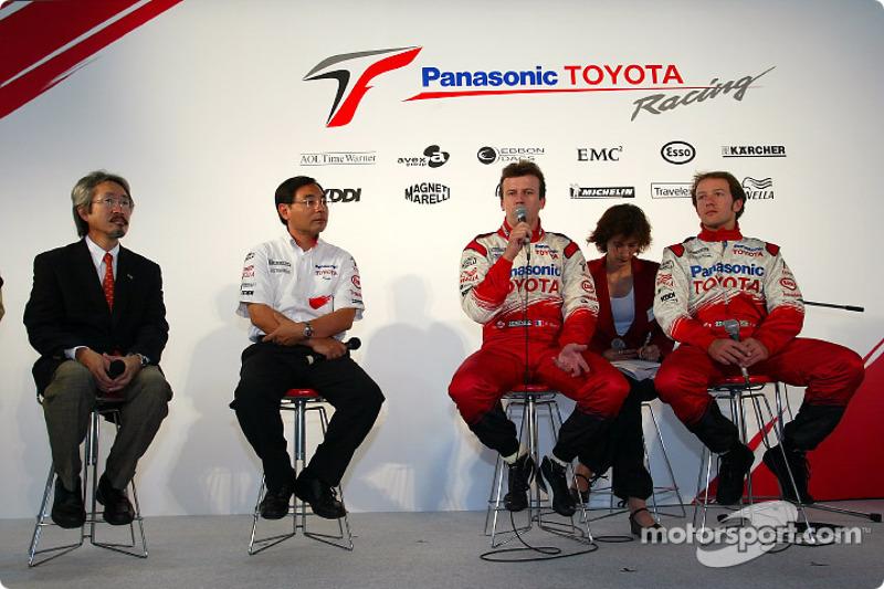 Megaweb event: Makoto Matsui, Keizo Takahashi, Olivier Panis and Cristiano da Matta during the press