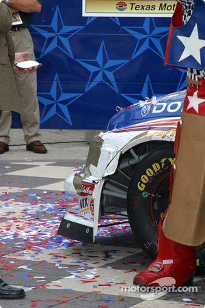 Victory lane : des dégâts sur le camion de Brendan Gaughan