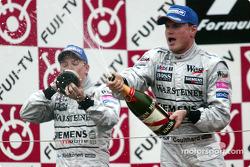 Podium: Kimi Räikkönen und David Coulthard