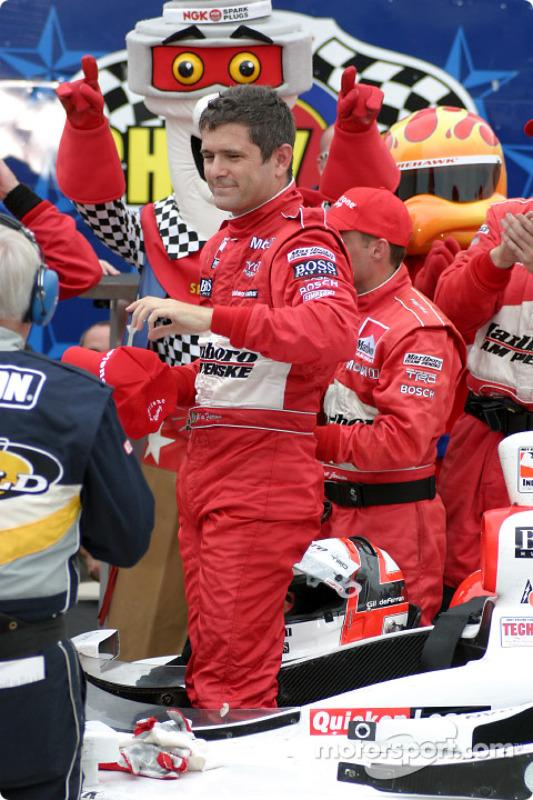 Victory lane : Gil de Ferran, vainqueur