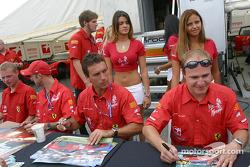 Séance d'autographes : Peter Kox et Tomas Enge