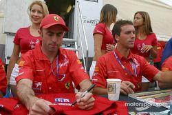 Autograph session: David Brabham and Peter Kox