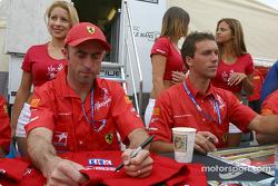 Séance d'autographes : David Brabham et Peter Kox
