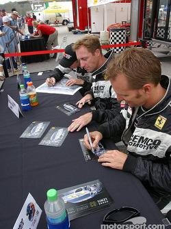 Séance d'autographes : Darren Law et Shane Lewis