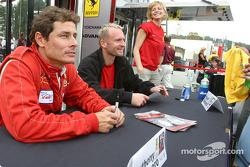 Séance d'autographes : Anthony Lazzaro et Ralf Kelleners