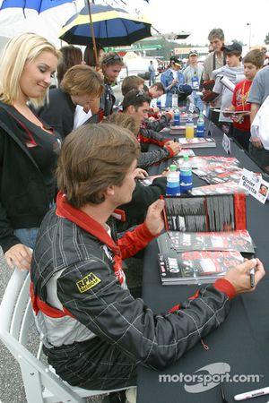 Autograph session: David Saelens