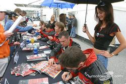 Séance d'autographes : Scott Maxwell et Gunnar Jeannette
