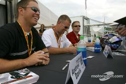 Séance d'autographes : Andrew Davis, Jason Workman et Scott Bradley