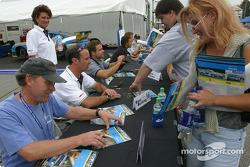 Séance d'autographes : Chris Gleason et Marc Bunting