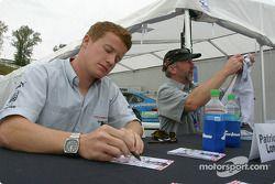 Autograph session: Patrick Long