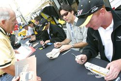Autograph session: Ron Fellows and Johnny O'Connell
