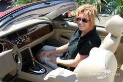 Dans la Jaguar XK8 de 2003