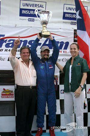 Podium : Wally Castro, vainqueur de la course