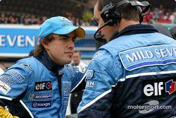 Fernando Alonso sur la grille