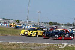#9 Mears Motor Coach Ford Multimatic: Paul Mears Jr., Joe Varde, et #06 ICY/SL Motorsports Corvette: Paul Alderman, Steve Lisa, David Rosenblum
