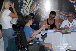 Autograph session: J.C. France and Hurley Haywood