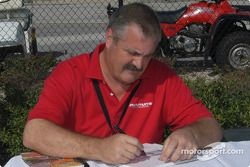 Autograph session: Steve Southard