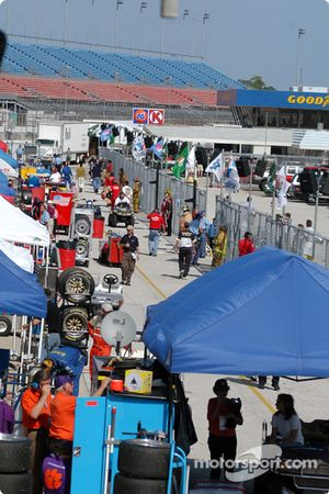Pit activity before the race