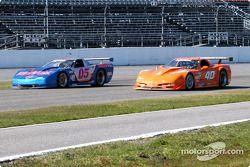 #05 Team Re / Max Racing Corvette: John Metcalf, Rick Carelli, David Liniger, et #40 Derhaag Motorsp