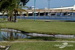 Park and bridges to the beach peninsula