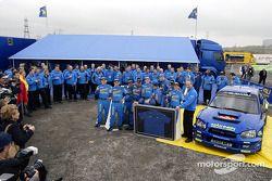 Tommi Mäkinen célèbre son dernier rallye WRC avec Subaru
