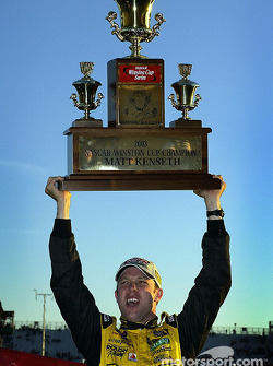 Matt Kenseth reporte le NASCAR Winston Cup 2003