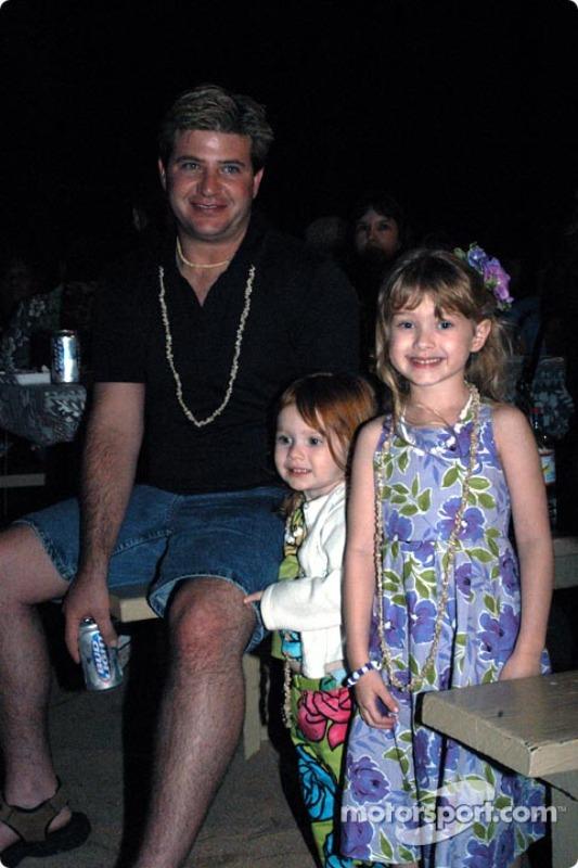Mike Boat avec ses filles Hayley et Julia