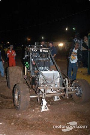 La voiture accidentée de Beau Binder