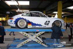 #42 T2M Motorsport Porsche GT3-RS