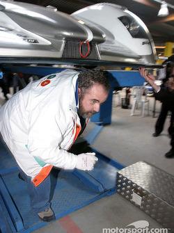Inspection de la #5 Audi Sport Japan Team Goh Audi R8