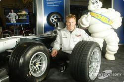 Kimi Raikkonen and the Michelin Man present the new Michelin Pilot Sport PS2