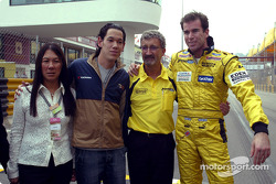 Ralph Firman and Eddie Jordan with family members of the late Teddy Yip